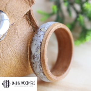 Natural-Cherry-wooden-ring-Shell-inlay-9mm-upclose-3