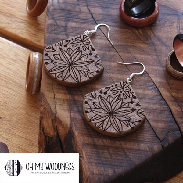 Wooden earrings poplar engraved