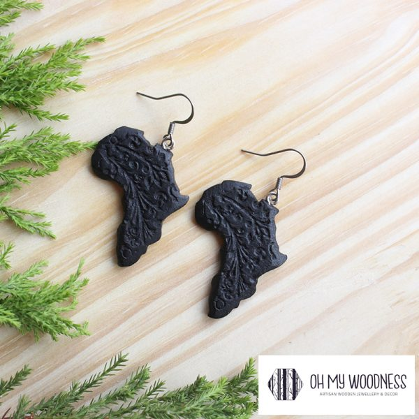 Wooden-Earrings-Black-Africas-Engraved