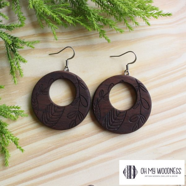 Wooden-Earrings---Walnut--Double-round-floral