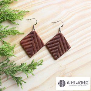 Wooden-earrings-Kiaat-Geometric-diamonds