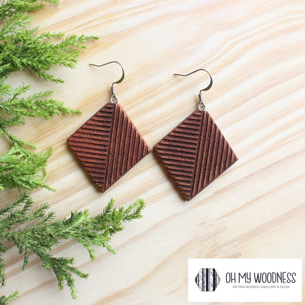 Wooden-earrings-Kiaat-Geometric-diamonds