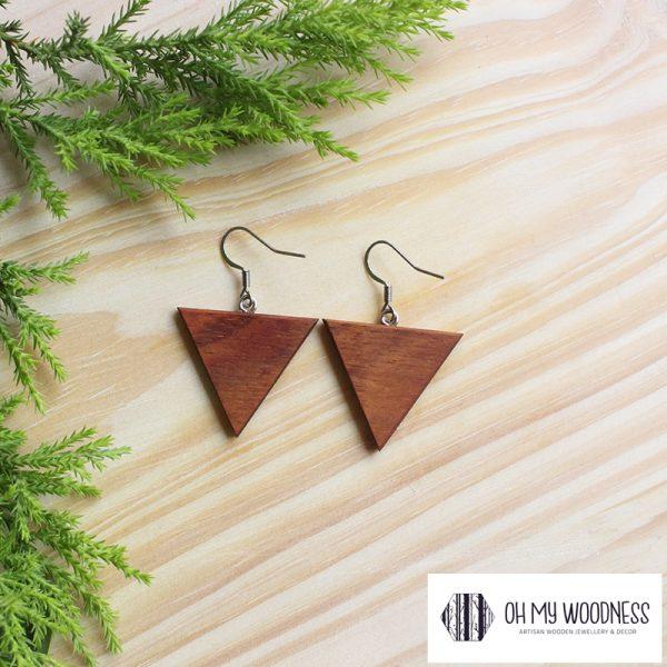 Wooden-earrings-Kiaat-triangles---small