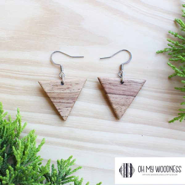 Wooden-earrings-Rubberwood-Smalltriangles