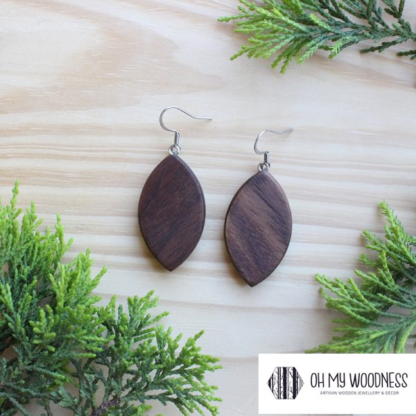 Wooden-earrings-Walnut--broad-leaves-