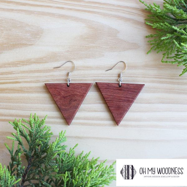 Wooden-earrings--large-triangles