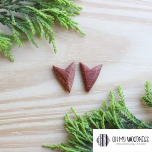 Wooden-earrings-studs-Rosewood-Foxes
