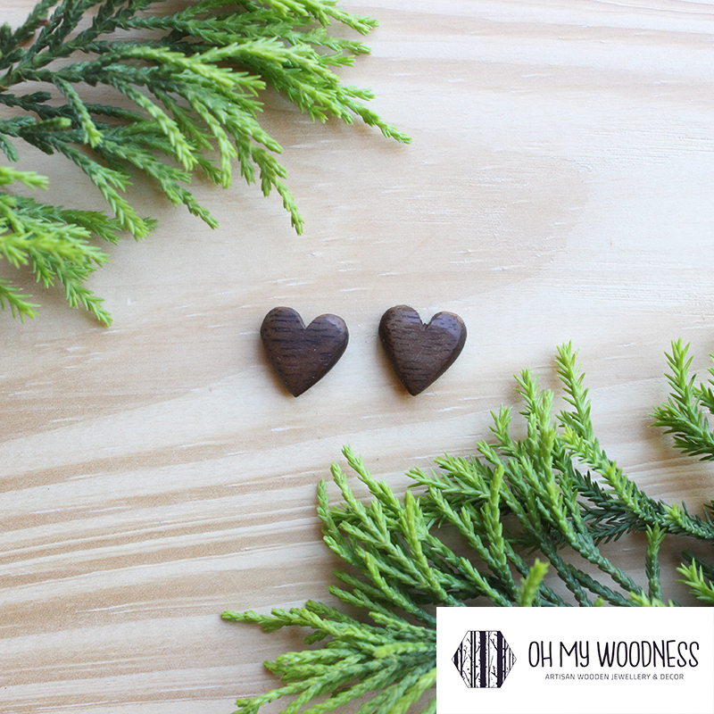 Wooden-earrings-studs-Walnut-Hearts