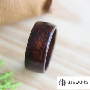 Wooden-ring-Black-&-Brown-Sapele-Side