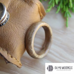 Wooden-ring---French-Oak-Side-View