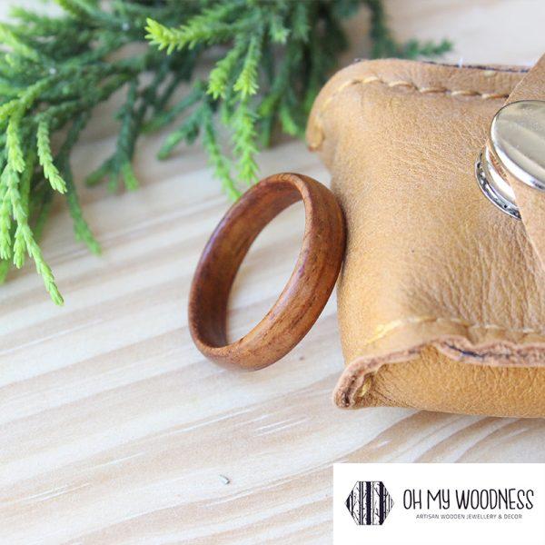 Wooden-ring---Kiaat-Side-view