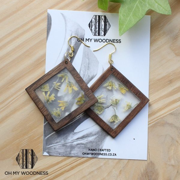 Wooden-earrings-double-square-thorns-logo