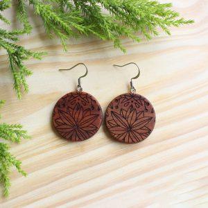 Wooden-earrings-Kiaat-round-florals